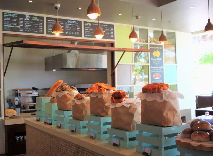 1階のカフェ「デリシャス」で作る絶品パン