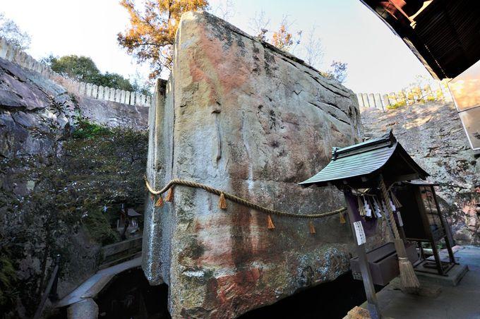 高さ5.5m、重さ500トン