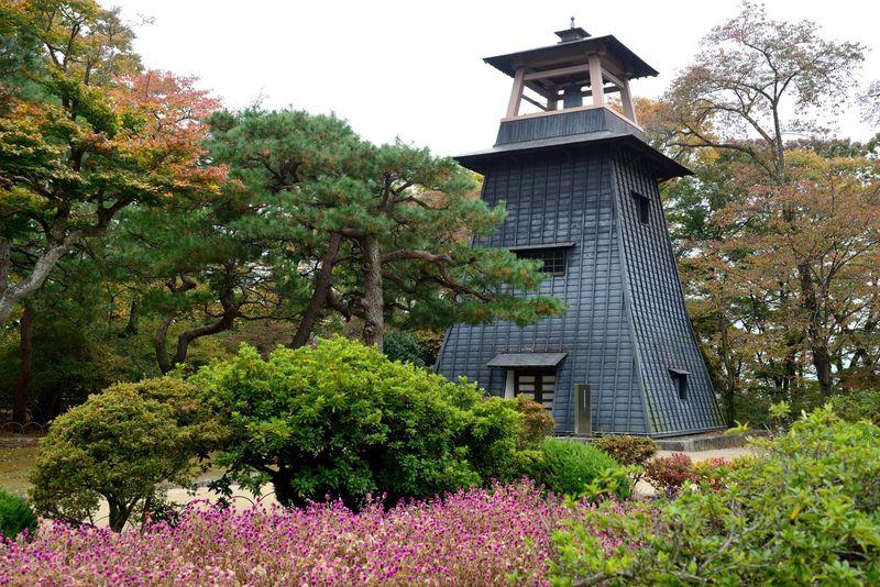 沼田公園のシンボル「鐘撞堂」