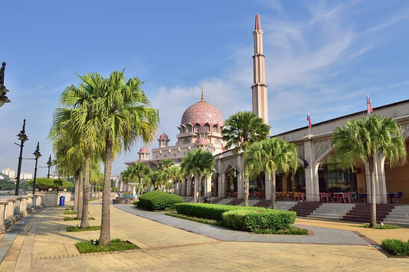 インスタ映えで人気!マレーシアのピンクモスクを美しく撮れるスポット