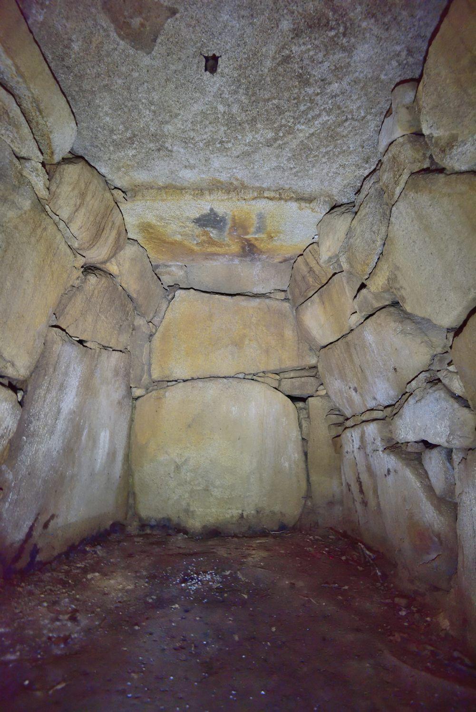 塚山6号墳の内部