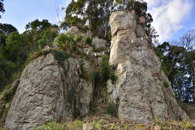 キーワードその4「神話・伝説の巨石」