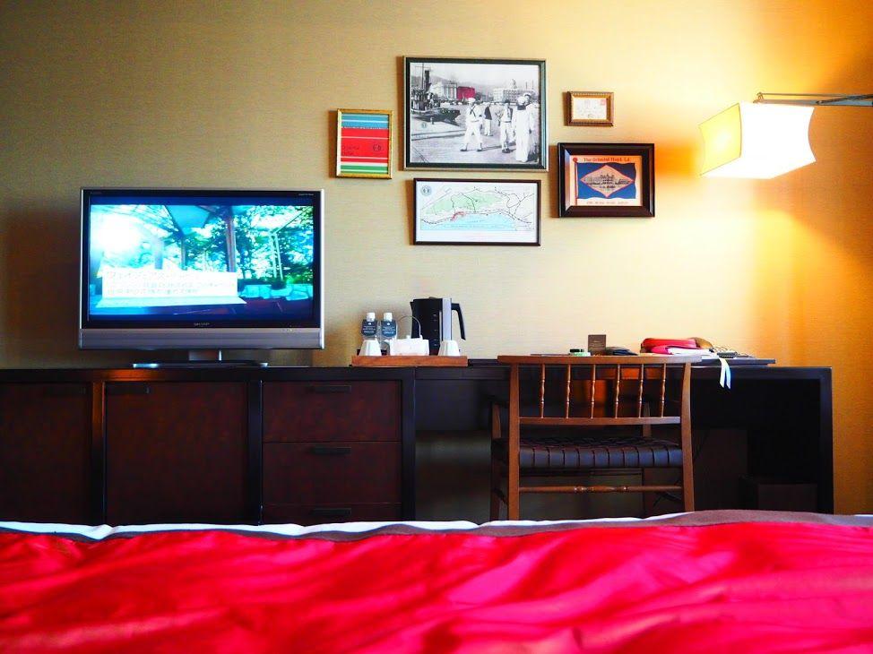 神戸港を一望できるロビーにモダンでオシャレな客室