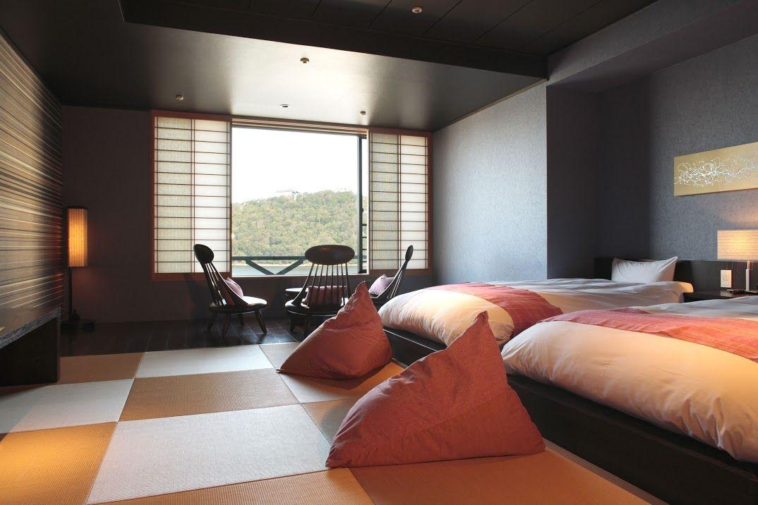 浜名湖の絶景が目の前に広がる和モダンの客室
