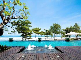 海辺に建つ高級リゾート「アナンタラ スミニャック バリ」