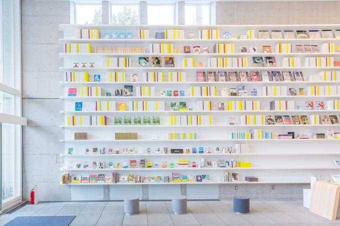 まるで絵を観るような図書館