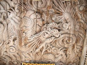 全長16メートルの木工彫り龍・鳥取県琴浦町「神崎神社」