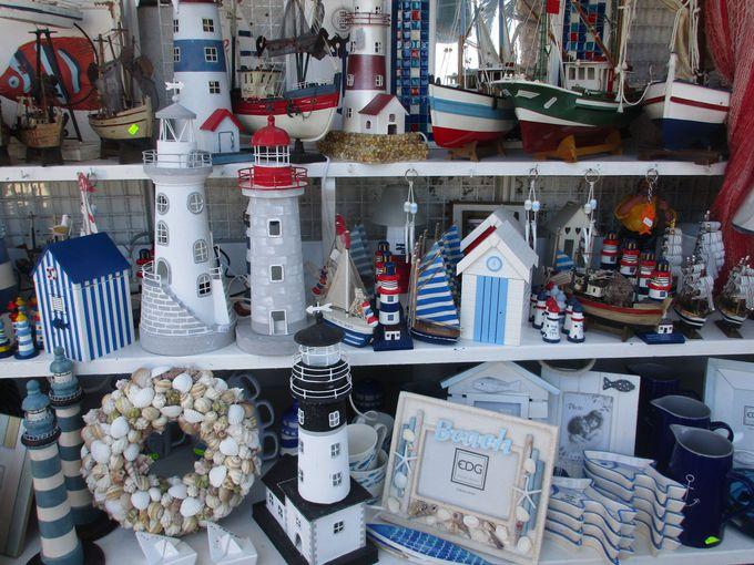 ジッリオ島の玄関口〜散策が楽しいカラフルな港町「ポルト」