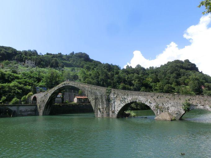 「悪魔の橋」の元となった、中世の伝説とは?