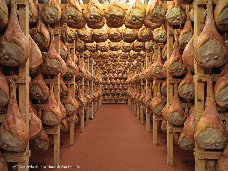 イタリア最高級生ハムの生産地 サン・ダニエーレ「生ハム祭り」