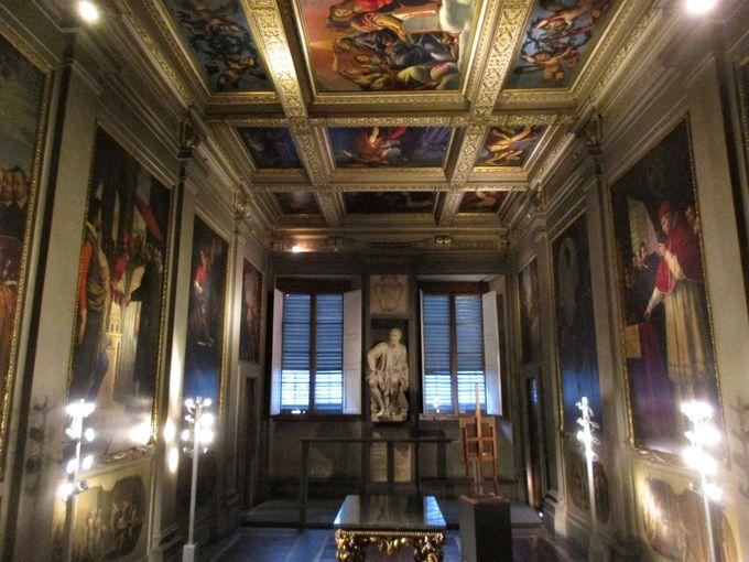 ミケランジェロ・イル・ジョヴァネの計画による、豪華な4部屋もお見逃しなく
