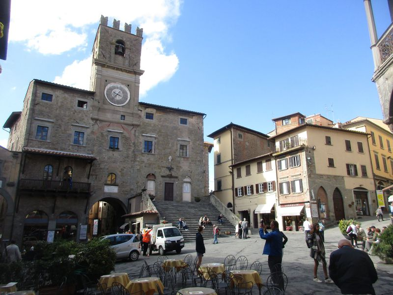 イタリア・コルトーナ、映画「トスカーナの休日」の舞台となった小さな村