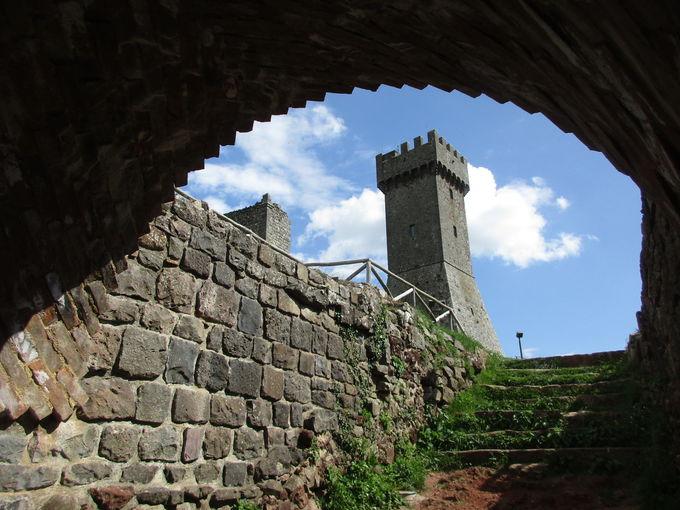 ラディコーファニ:960mの塔から見下ろす、雄大なパノラマ