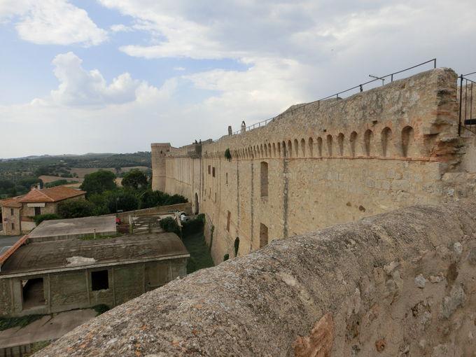 実際に城壁を歩いてみましょう!