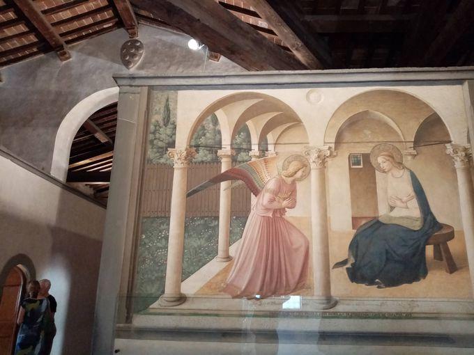 フィレンツェでは代表作と独房の小作品を鑑賞