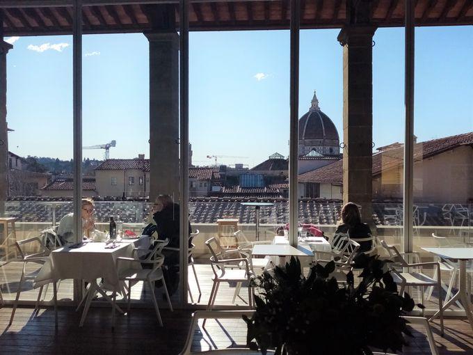 捨て子養育院の最上階 パノラマが美しいCaffe' del Verone