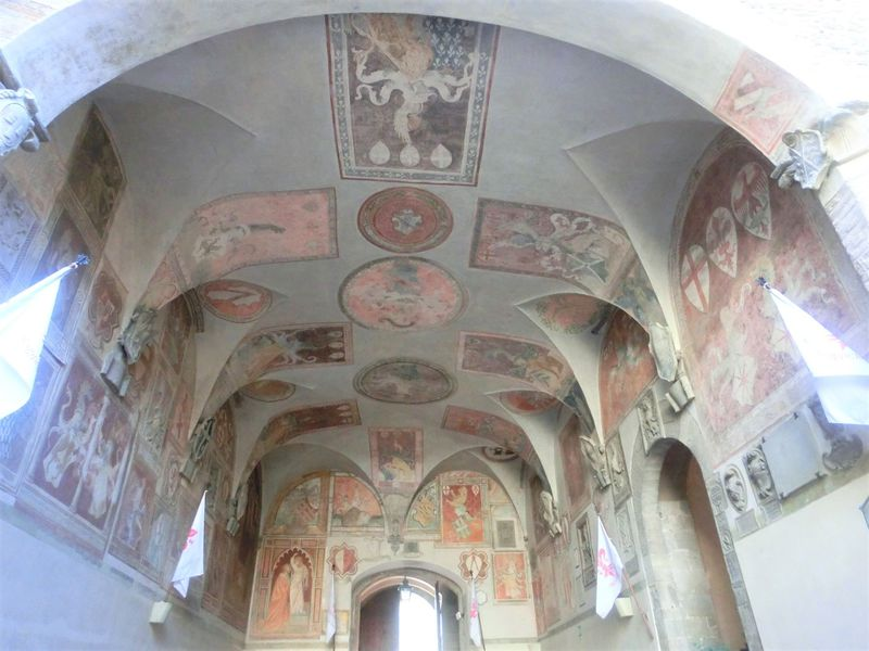 フィレンツェ近郊「スカルぺリア」歴史とナイフで有名な美しい村