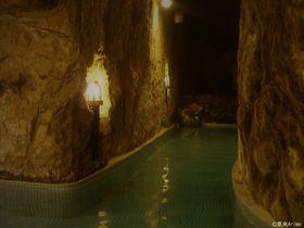 ローマ+洞窟風呂?! 湘南 江ノ島「岩本楼」で時代トリップステイ