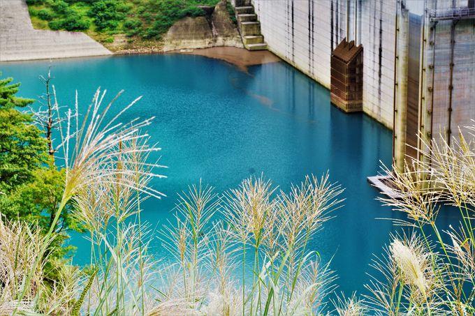ダム好きに捧ぐターコイズブルー「奥四万湖(四万川ダム)」