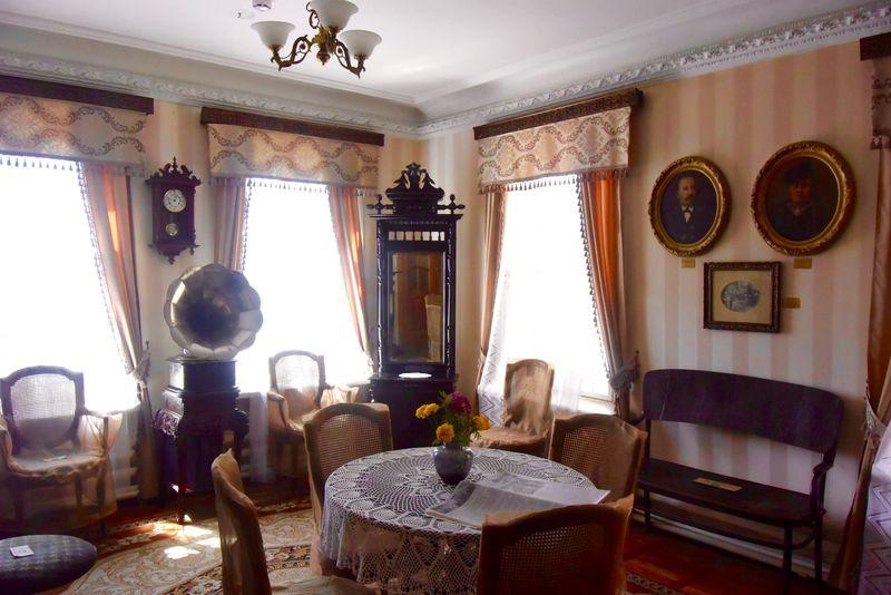 家族の物語がここにある!ウラジオストク「スハノフの家博物館」
