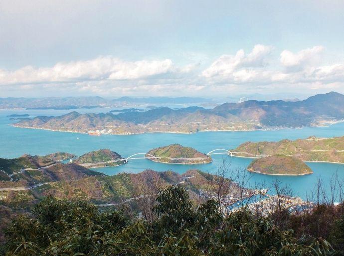 「とびしま海道」5島すべての最高峰を制覇して展望台で絶景を