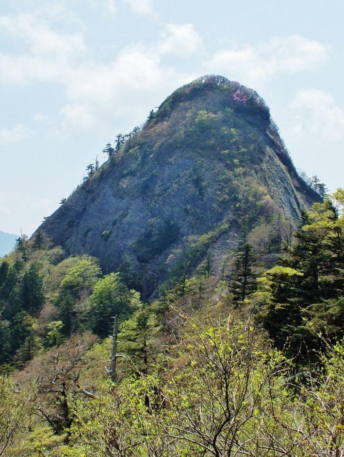 石鎚山を上回る絶壁の鎖場