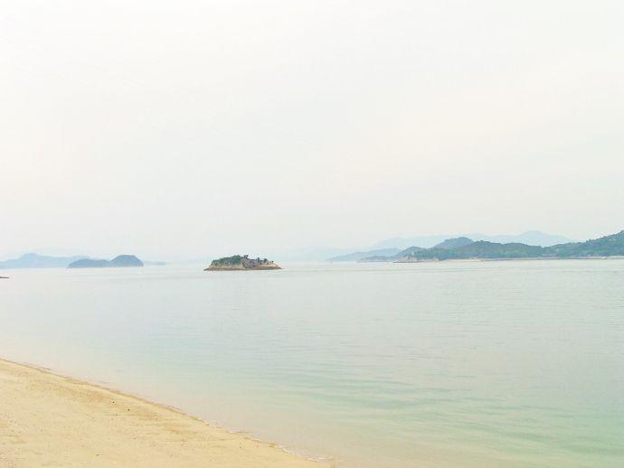 美しい白浜と海岸