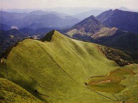 関西一美しい高原と富士山型展望峰(奈良・曽爾高原周辺)