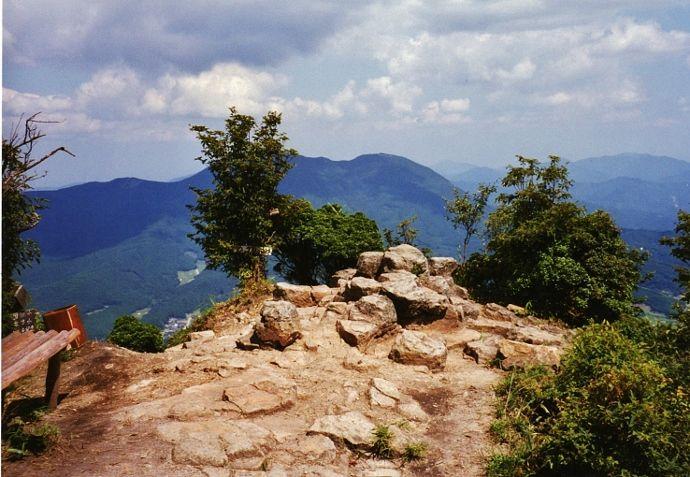 日本最長の自然歩道が通る高原