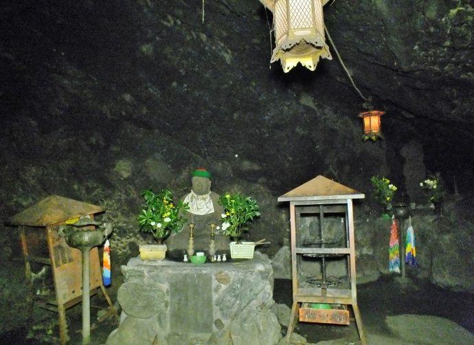 空海が掘った洞窟霊場とは