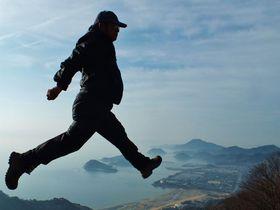 """香川県三豊市""""空を歩けるスポット""""「ハンググライダー基地」と「博智山」"""