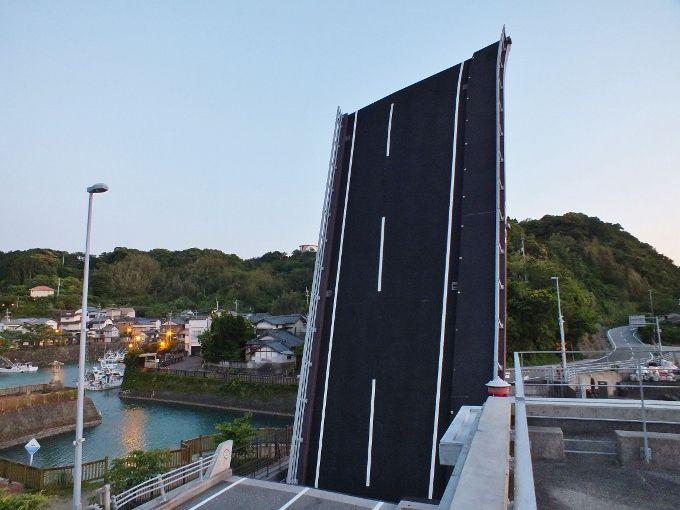 四国一の人道吊橋から垂直に立つ橋まで〜高知の奇妙な橋群〜