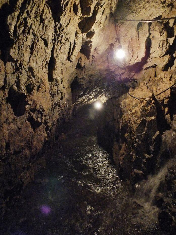 天然のウォーターシューター「安森洞」