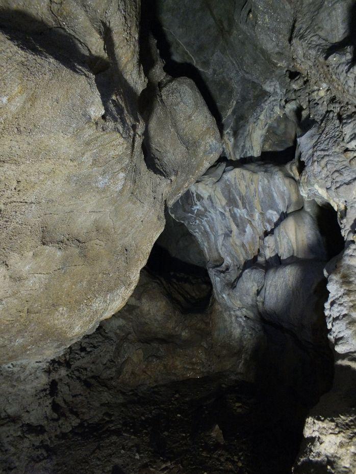 横穴から竪穴へ「大川鍾乳洞」