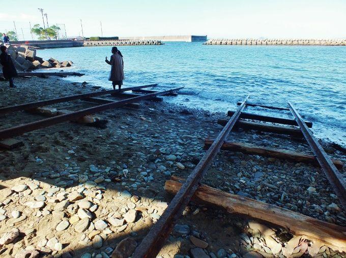 青石海岸に本当にあった海原電車の線路