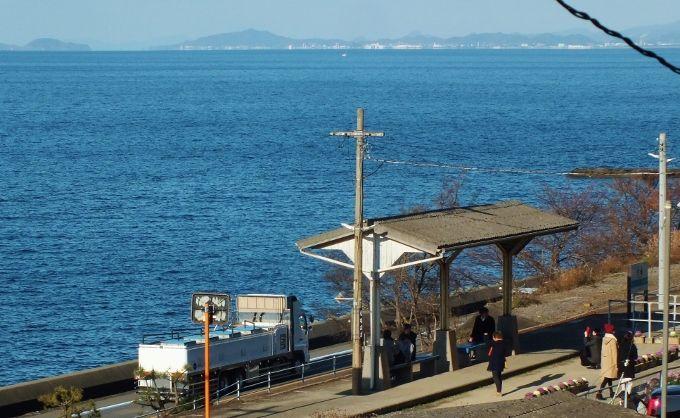 海上の駅と天空の水仙と道路のゼロ戦