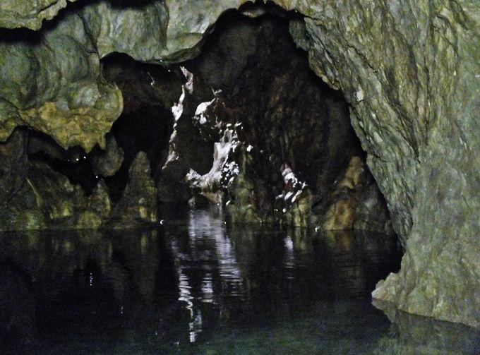 神秘の支洞の地底淵・稲積水中鍾乳