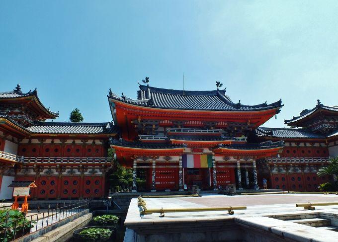 西日本屈指の豪華絢爛堂宇