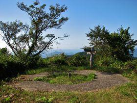 第二奇兵隊防塁と海軍レーダー跡が残る山口・文珠山と嘉納山