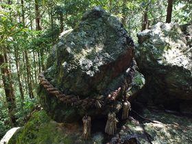 受験生や政治家も祈願!絶対落ちない高知のゴトゴト石と神秘の滝群