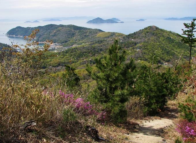 紫雲出山は徒歩で登れば更なる景観が