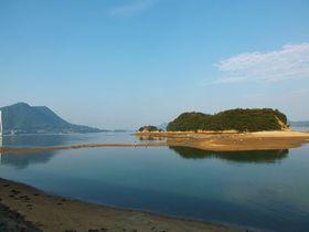 愛媛県にもエンジェルロードが!干潮時の島の陸繋道5選