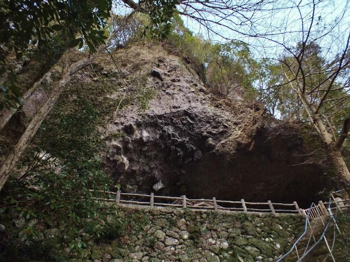 求菩提修験随一の岩屋・岩洞窟
