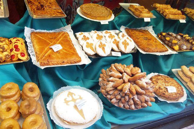 中世からの名物ケーキ『タルタ・デ・サンティアゴ』を味わおう
