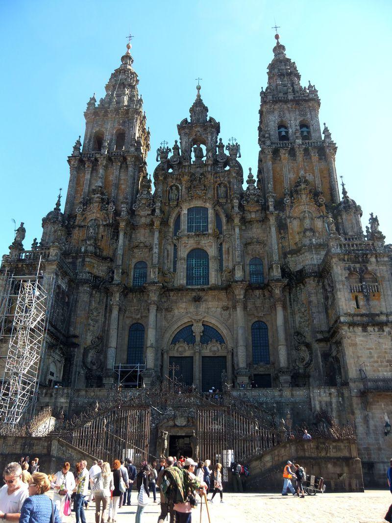聖ヤコブが眠る、サンティアゴ・デ・コンポステーラの大聖堂へ