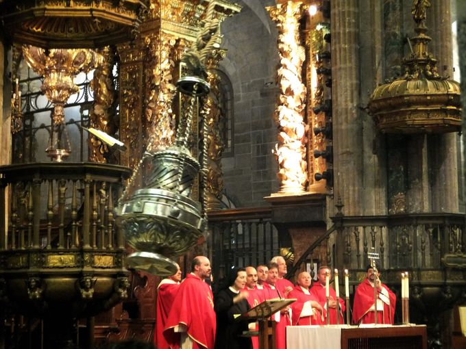 巨大な香炉が揺れる、ボタフメイロに感動!