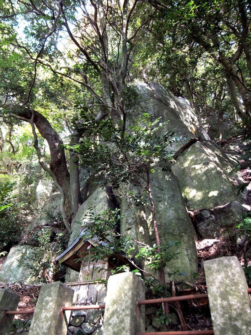 淡路島の最強パワースポットを巡る!神の聖なる岩5選