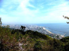 六甲山・須磨アルプスの名勝「馬の背」と神戸&明石の絶景を望むトレッキング!