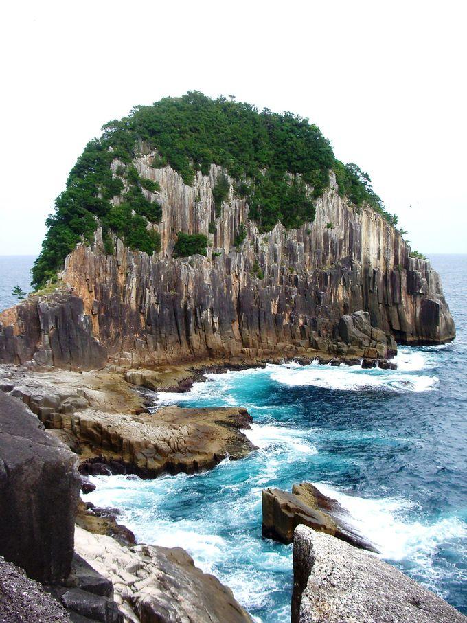 神武天皇の上陸地の岬にある!大岩壁の楯ヶ崎