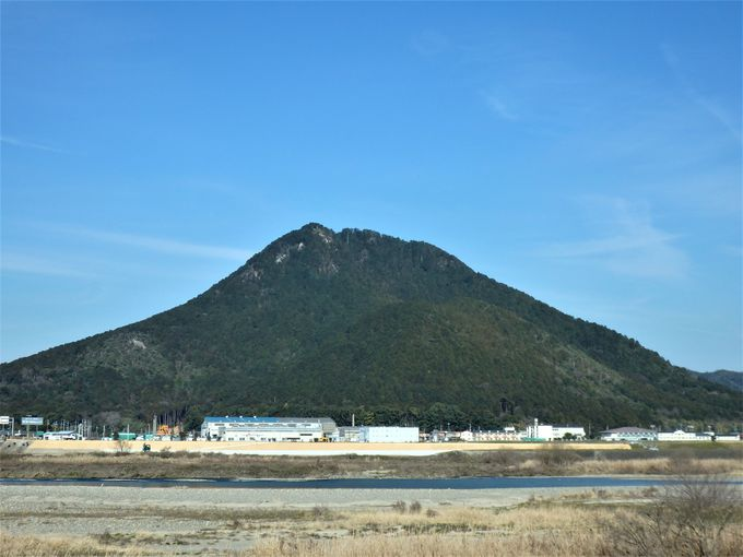 紫式部や松尾芭蕉が歌で詠んだ、美しい近江富士へ!